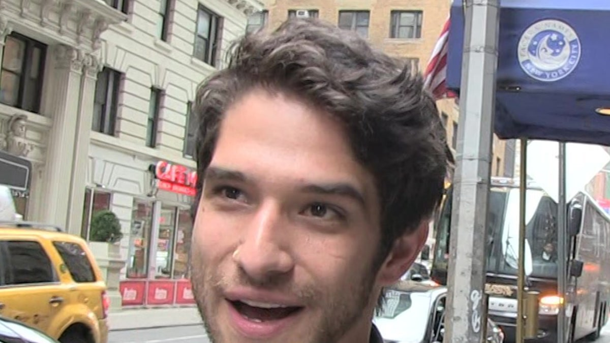 Tyler Posey Comes Out as LGBTQ Member